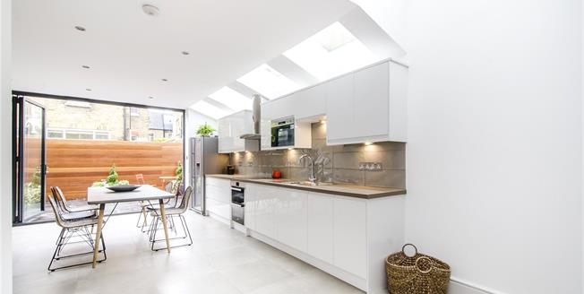 Asking Price £1,400,000, 4 Bedroom Terraced House For Sale in London, SW6