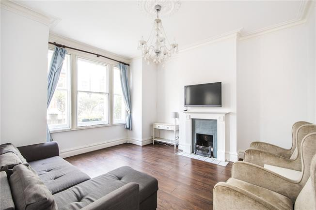 Asking Price £610,000, 2 Bedroom Flat For Sale in London, SW6