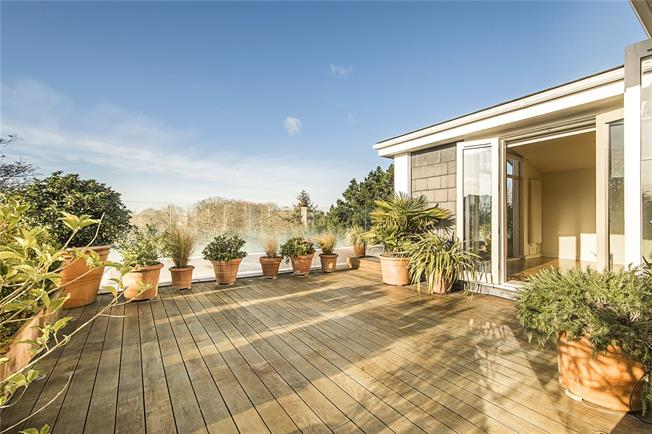 Asking Price £3,250,000, 4 Bedroom Flat For Sale in London, SW6