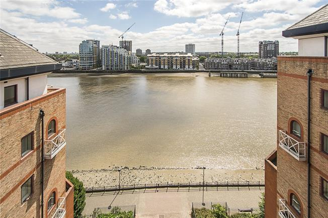 Asking Price £799,950, 2 Bedroom Flat For Sale in London, SW6