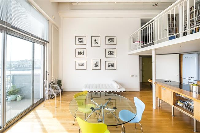 Asking Price £1,100,000, 3 Bedroom Flat For Sale in London, SW6