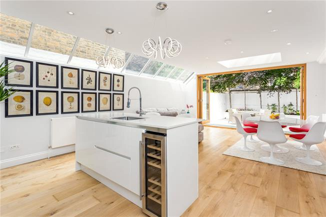 Asking Price £3,150,000, 6 Bedroom Terraced House For Sale in London, SW6