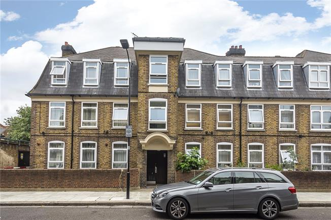 Asking Price £600,000, 3 Bedroom Flat For Sale in London, SW6