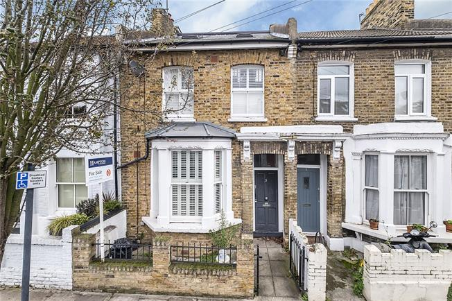 Asking Price £650,000, 2 Bedroom Flat For Sale in London, SW6