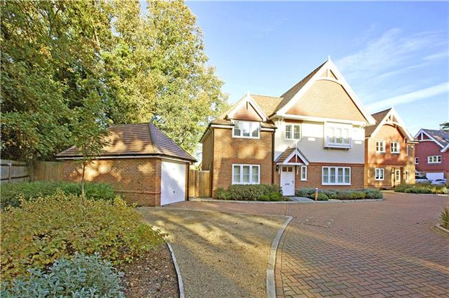 Offers in excess of £1,000,000, 5 Bedroom Detached House For Sale in Gerrards Cross, Buckingha, SL9