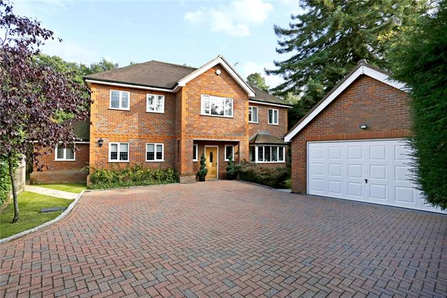 Guide Price £1,500,000, 5 Bedroom Detached House For Sale in Buckinghamshire, SL2