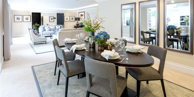 Guide Price £1,725,000, 3 Bedroom Flat For Sale in Buckinghamshire, SL9