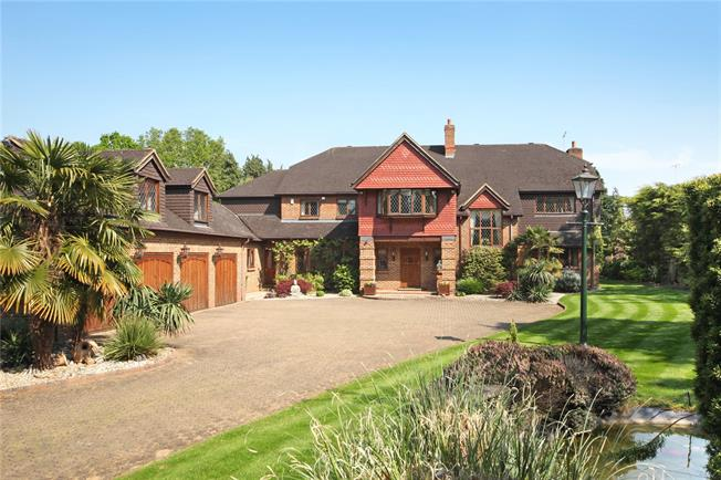 Guide Price £2,650,000, 5 Bedroom Detached House For Sale in Buckinghamshire, SL2