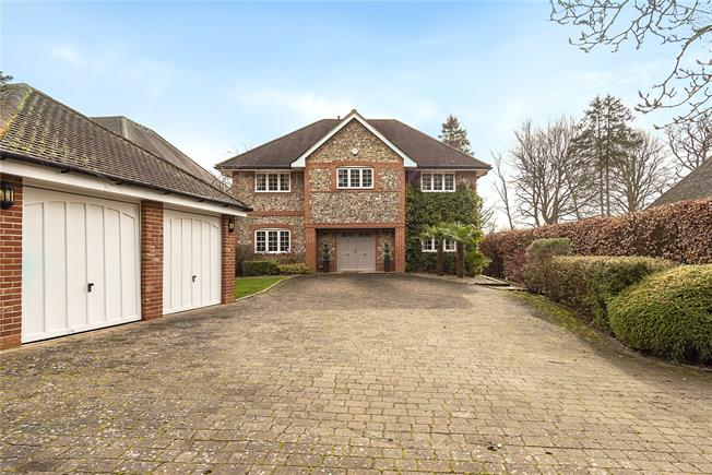 Offers in excess of £1,600,000, 5 Bedroom Detached House For Sale in Chalfont St. Giles, HP8