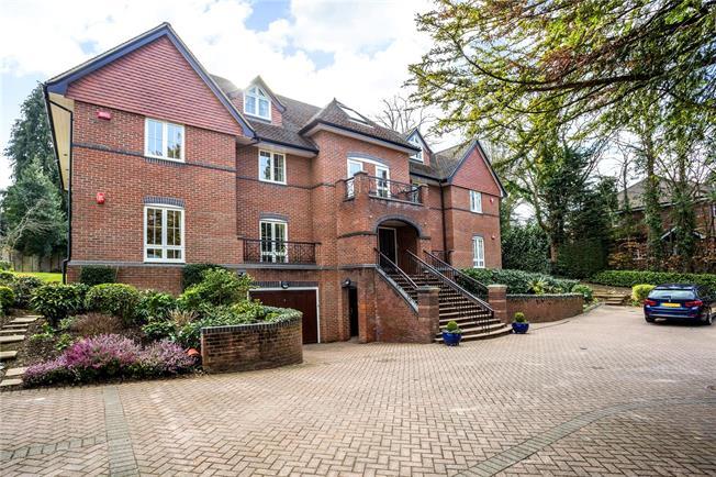 Guide Price £745,000, 2 Bedroom Flat For Sale in Gerrards Cross, Buckingha, SL9