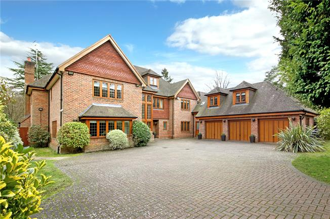 Guide Price £2,500,000, 7 Bedroom Detached House For Sale in Gerrards Cross, SL9