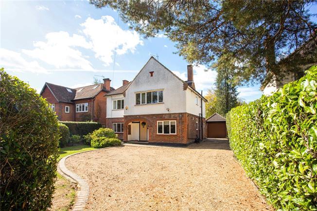 Guide Price £1,000,000, 4 Bedroom Detached House For Sale in Gerrards Cross, SL9