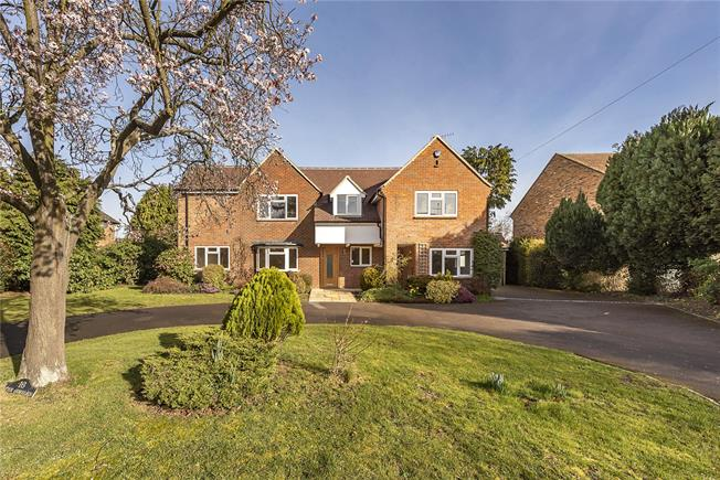 Offers in excess of £1,350,000, 5 Bedroom Detached House For Sale in Stoke Poges, SL2