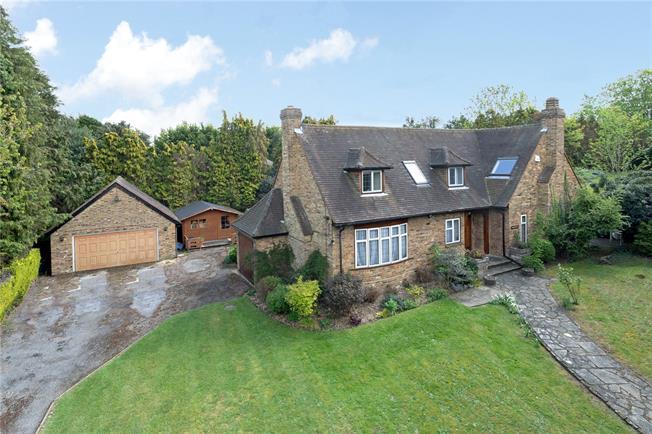 Guide Price £1,300,000, 5 Bedroom Detached House For Sale in Denham, UB9
