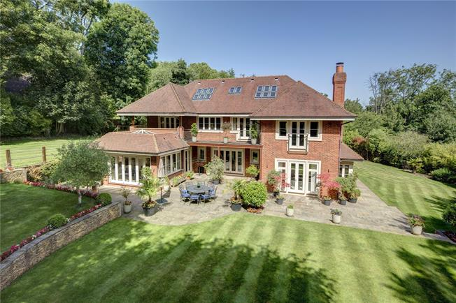 Guide Price £3,250,000, 6 Bedroom Detached House For Sale in Buckinghamshire, HP8