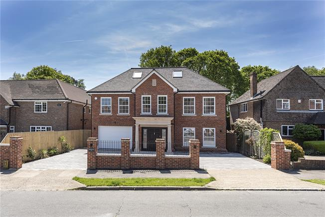Offers in excess of £1,750,000, 5 Bedroom Detached House For Sale in Gerrards Cross, SL9