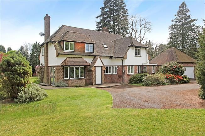 Guide Price £1,250,000, 4 Bedroom Detached House For Sale in Hurtmore, GU7