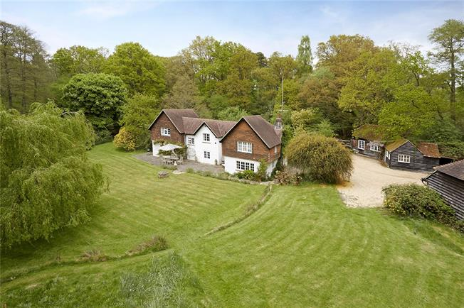 Guide Price £1,900,000, 5 Bedroom Detached House For Sale in Wormley, GU8