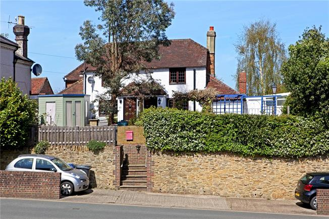 Asking Price £365,000, 2 Bedroom Semi Detached House For Sale in Godalming, GU7