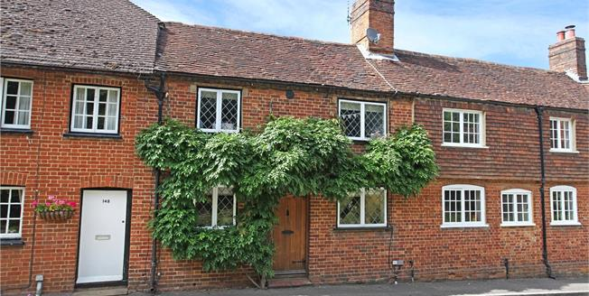 Guide Price £549,950, 3 Bedroom Terraced House For Sale in Puttenham, GU3