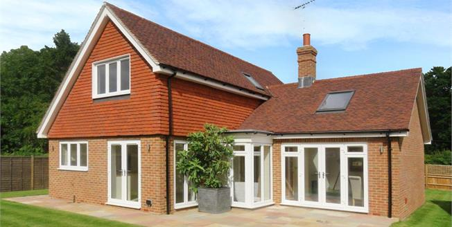 Asking Price £649,950, 3 Bedroom Detached House For Sale in Wormley, GU8