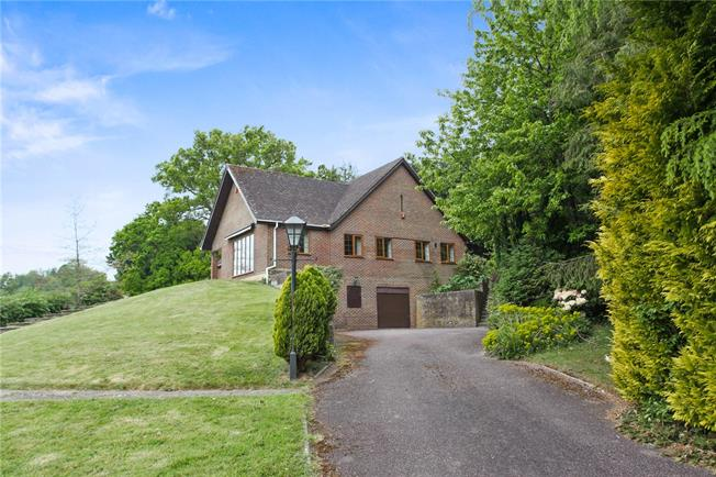 Guide Price £950,000, 4 Bedroom Bungalow For Sale in Witley, GU8