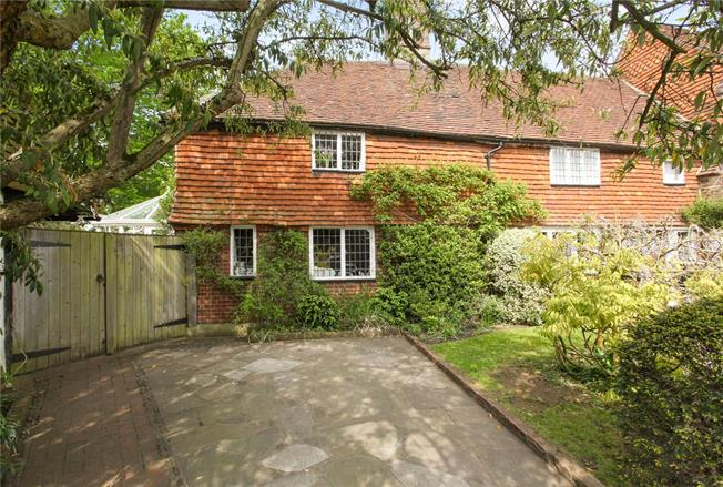 Guide Price £750,000, 4 Bedroom Semi Detached House For Sale in Godalming, Surrey, GU8