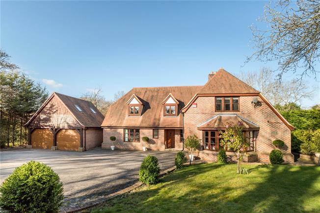 Guide Price £1,150,000, 5 Bedroom Detached House For Sale in Plaistow, RH14