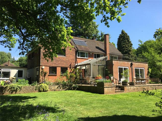 Guide Price £995,000, 5 Bedroom Detached House For Sale in Guildford, Surrey, GU3