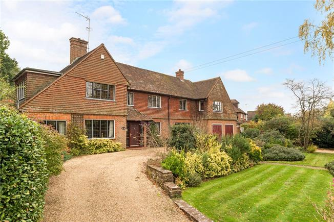 Guide Price £1,200,000, 5 Bedroom Detached House For Sale in Godalming, Surrey, GU8