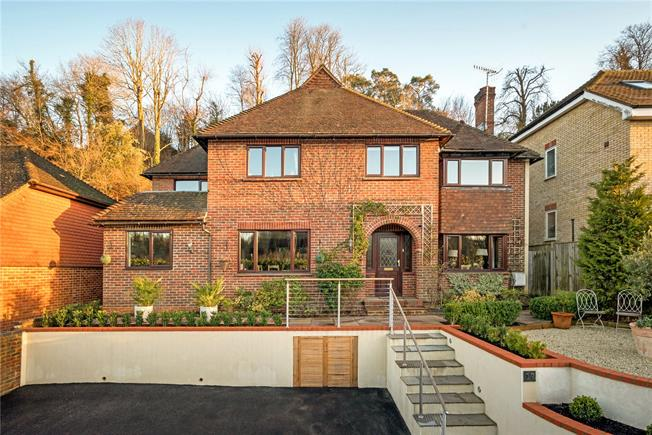 Guide Price £910,000, 4 Bedroom Detached House For Sale in Surrey, GU7