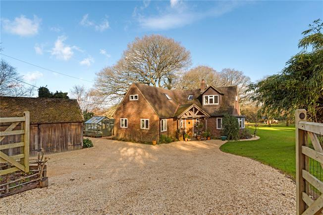 Guide Price £1,100,000, 4 Bedroom Detached House For Sale in Witley, GU8