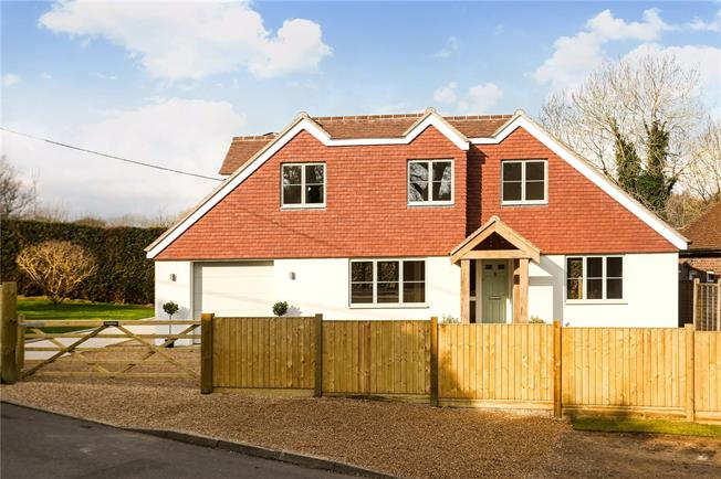 Guide Price £720,000, 4 Bedroom Detached House For Sale in Godalming, Surrey, GU8