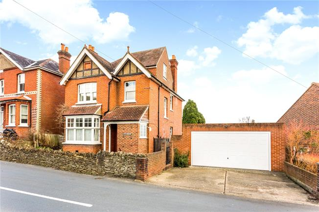 Guide Price £840,000, 4 Bedroom Detached House For Sale in Surrey, GU7