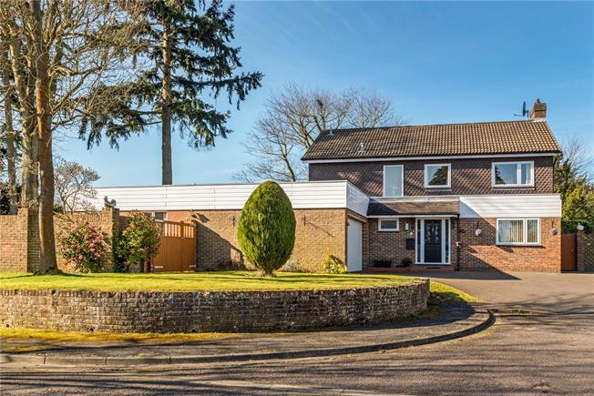Asking Price £985,000, 5 Bedroom Detached House For Sale in Godalming, GU7