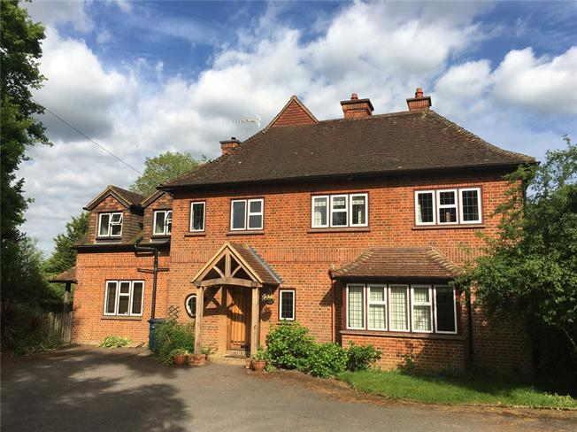 Guide Price £1,650,000, 5 Bedroom Detached House For Sale in Godalming, GU7