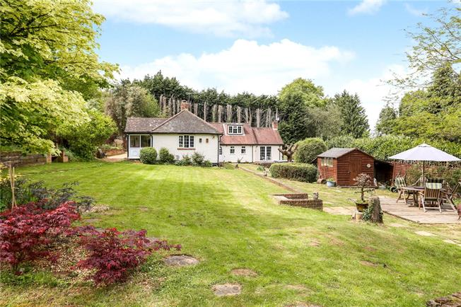 Guide Price £869,950, 4 Bedroom Bungalow For Sale in Milford, GU8