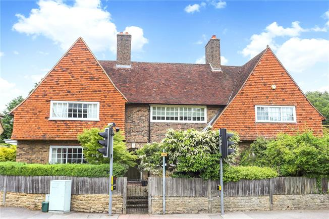 Guide Price £495,000, 2 Bedroom Terraced House For Sale in Godalming, Surrey, GU8