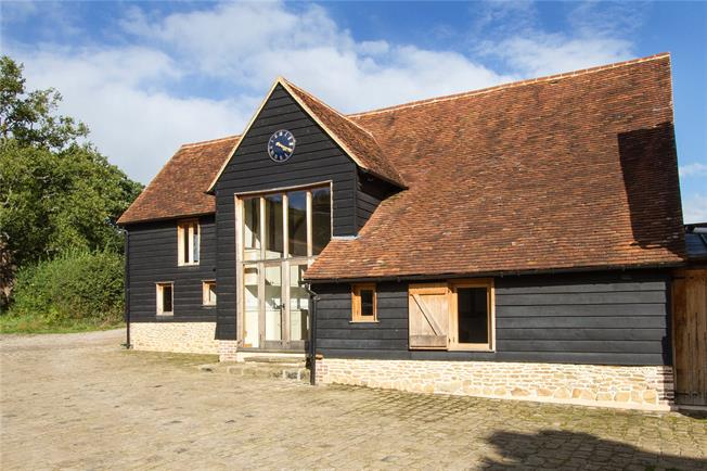 Asking Price £745,000, 3 Bedroom House For Sale in Godalming, Surrey, GU8