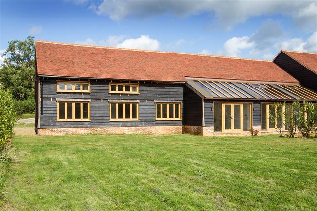 Asking Price £795,000, 4 Bedroom House For Sale in Godalming, Surrey, GU8