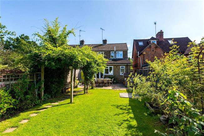 Guide Price £560,000, 3 Bedroom Semi Detached House For Sale in Chiddingfold, GU8