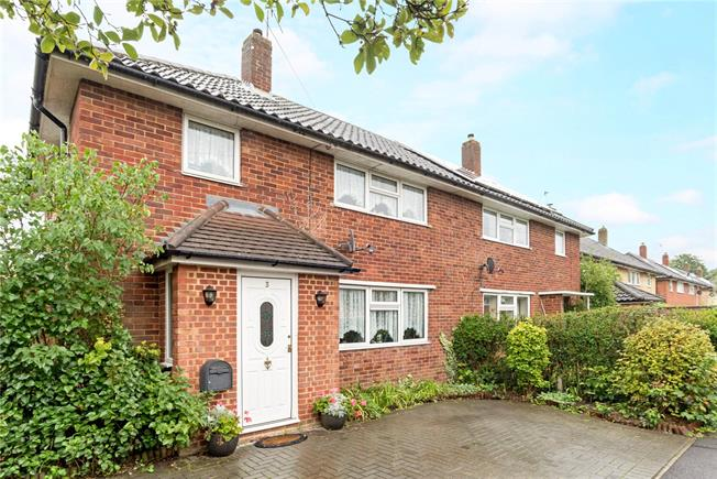Guide Price £345,000, 3 Bedroom Semi Detached House For Sale in Godalming, Surrey, GU8
