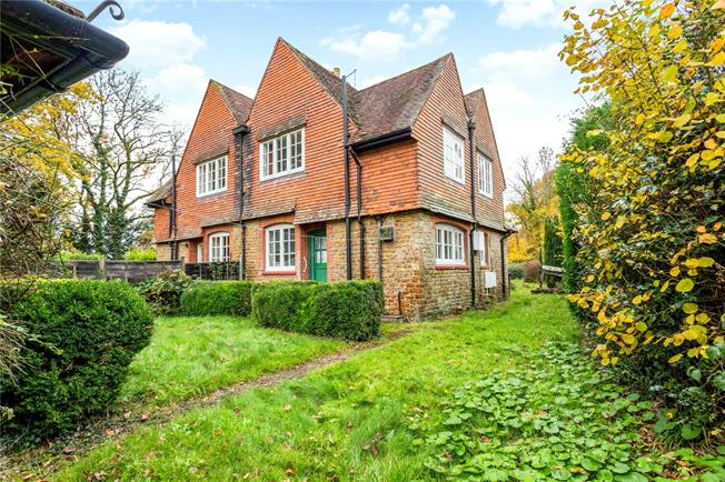 Asking Price £500,000, 2 Bedroom Semi Detached House For Sale in Wormley, Godalming, GU8
