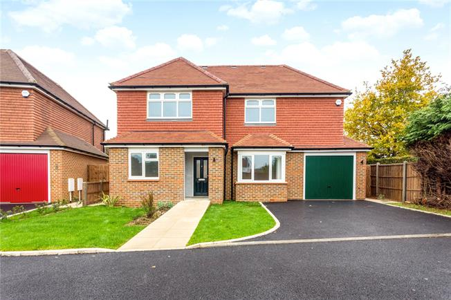 Asking Price £675,000, 3 Bedroom Detached House For Sale in Milford, GU8