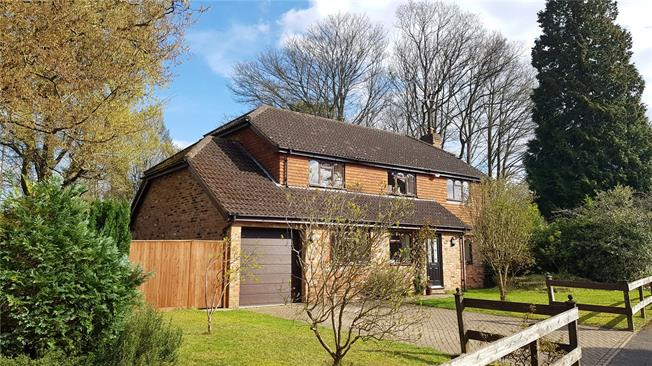 Asking Price £1,095,000, 5 Bedroom Detached House For Sale in Godalming, GU7