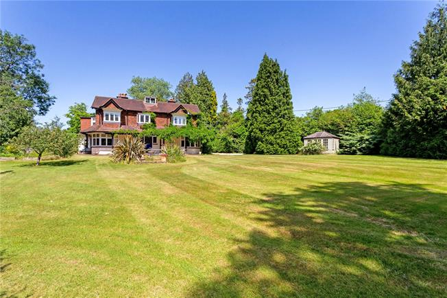 Guide Price £1,450,000, 5 Bedroom Detached House For Sale in Godalming, Surrey, GU8