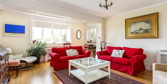 Asking Price £350,000, 2 Bedroom Flat For Sale in Compton, GU3