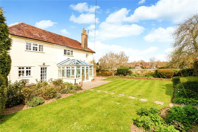 Asking Price £995,000, 5 Bedroom Detached House For Sale in Godalming, Surrey, GU8
