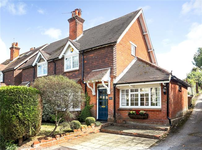 Asking Price £625,000, 3 Bedroom Semi Detached House For Sale in Guildford, Surrey, GU3