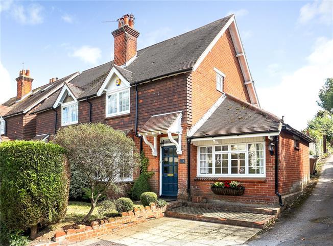 Asking Price £625,000, 3 Bedroom Semi Detached House For Sale in Puttenham, GU3